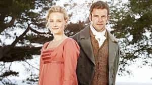 Romola Garai als Emma en Jonny Lee Miller als Mr. Knightley. (Foto: BBC)