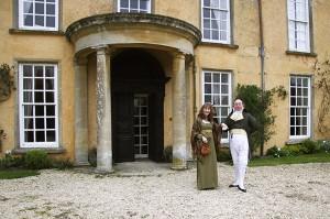 Hazel Jones en Martin Salter bij 'Longbourn'